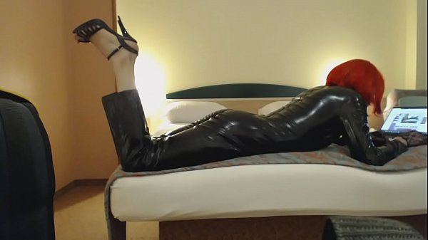 Latex, Crossdresser