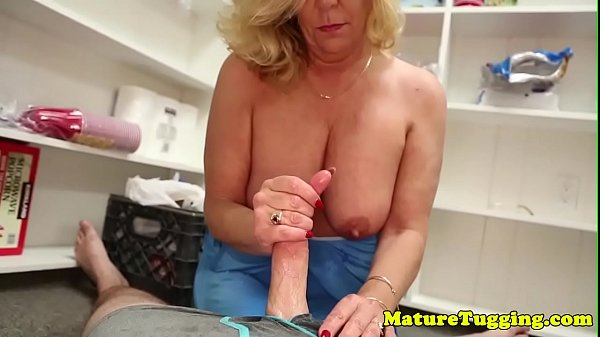 Jerking, Mature busty