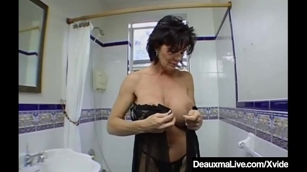 Squirting, Big breasts